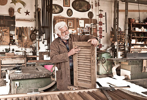 Sverniciatura e restauro serramenti
